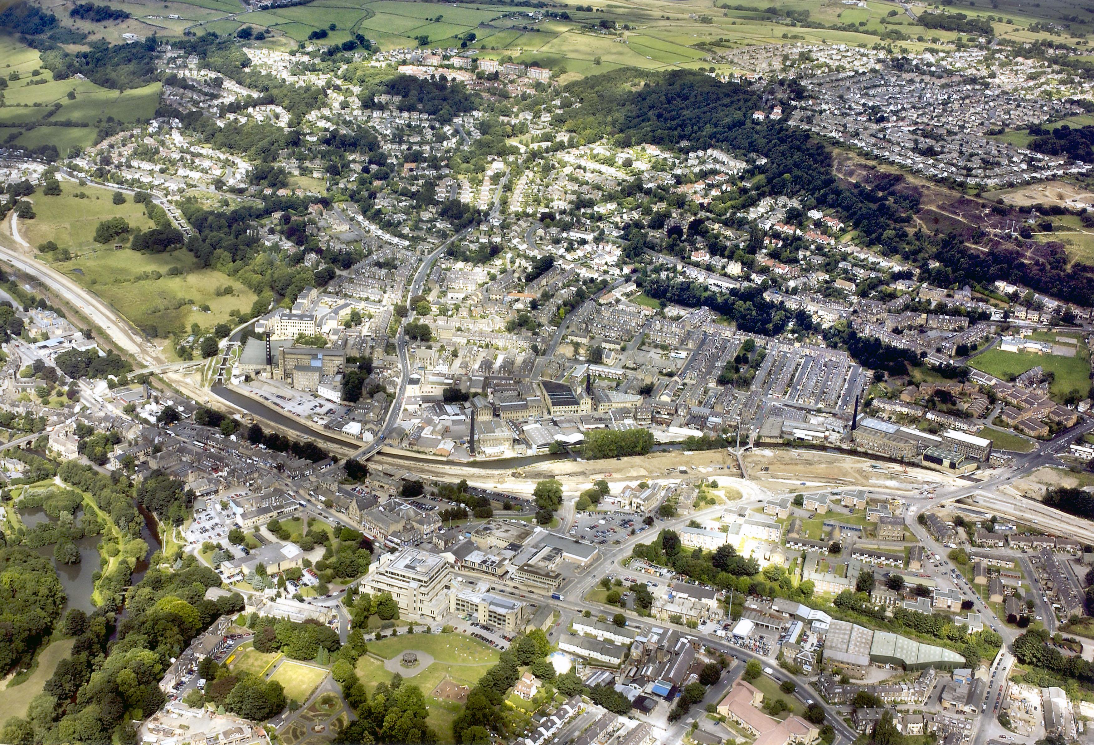 Inglaterra ( ver mais  em Europa ) Bingley_aerial_photo_full_300
